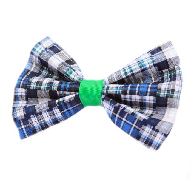 To tie the Bow Tie Knot, select a bow tie of your choice and stand in front of a mirror. Then simply follow the steps below: Pull up your collar and lay the bow tie around your neck. One side should hang inches lower than the other. Then cross the longer end over the shorter end. Create a half knot just like you do when tying your shoe laces. Keep a finger on the half knot to keep it tight. Then fold the .